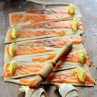 Mini-croissants au saumon fumé et fromage de brebis