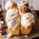 Cinnamon rolls au glaçage chaï