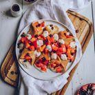 Crêpes vegan à la chantilly de noix de cajou, grenade et kakis