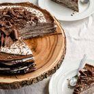 Gâteau de crêpes vegans au chocolat noir