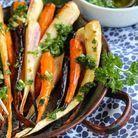 Cuisine campagne rustique : Carottes et panais rôtis à l'huile d'olive, ail et persil