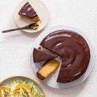 Gâteau à l'orange, glaçage au chocolat noir