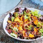 Salade de patates douces rôties aux noix de pécan caramélisée