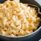 Mac and cheese au cheddar, mozzarella et crème cheese