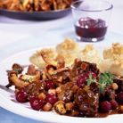 Civet de chevreuil aux cranberries et aux girolles