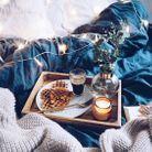 Petit-déjeuner au lit couple : Waffle