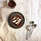 Poke cake vanille caramel