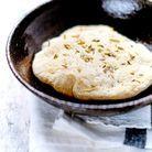 Pain plat au curcuma et graines de fenouil