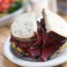 Sandwich au pastrami du deli