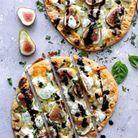 Pizza naan au fromage de chèvre et figues