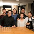L'équipe de Pierre Sang prête à accueillir les participants aux Heures Heureuses ELLE à TABLE