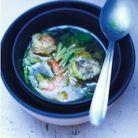 Bouillon de chou chinois aux crevettes et galanga