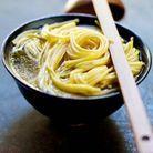Fondue de carpaccio de rumsteck, nouilles chinoises et légumes