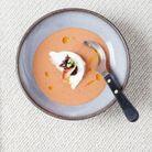 Gaspacho tomates, fraises, huile d'olive et burrata