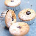 Gâteaux manqués au citron et cerises
