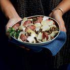 Salade tiède aux endives, saucisse de Morteau et lentilles vertes