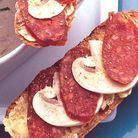 Tartines de chorizo aux champignons crus