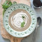 Velouté de champignons à la crème de truffe