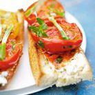 Tartines de tomates aux herbes et pois chiches