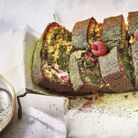 Cake marbré chocolat blanc, thé matcha et framboises