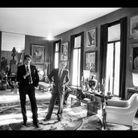 Yves Saint Laurent et Pierre Bergé dans leur hôtel particulier, rue de Babylone à Paris