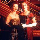 Rose et sa mère devant le Grand Escalier