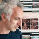 « Vincent devant sa discothèque, face au vinyle de la bande originale. Le film comporte aussi des chansons de Christophe. C'est émouvant de pense...