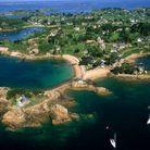 La vue aérienne de l'île de Bréhat offre à voir des paysages à couper le souffle.