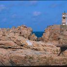 Le phare de Paon qui guide les bateaux même dans les nuits les plus sombres.