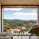 La vue depuis le dernier étage d'une tre hytte : une fenêtre sur la nature