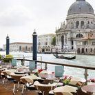 Prendre un aperitivo sur la terrasse au Riva Lounge