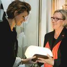 """Françoise-Marie Santucci (ELLE) et Mechtild Borrmann, lauréate du Policier pour """"Le violoniste"""" (Ed. de Masque)"""