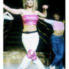 6. C'est Britney Spears qui assure tous les chœurs sur sa propre chanson.