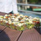 La césar salade, « sot l'y laisse » rôti et tomate confite