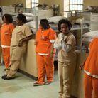 Crazy Eyes (Uzo Aduba) et d'autres détenues
