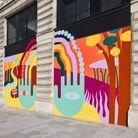 Elle se compose de quatorze peintures colorées