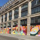 Louis Vuitton a fait appel à l'artiste pour décorer son siège social