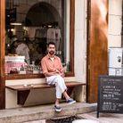 Le petit grain de folie de Tony Collins ? Installer un coffee-shop de spécialités et promouvoir la diversité des terroirs au pays du pastaga !