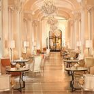 Le tea time du Plaza Athénée, à Paris