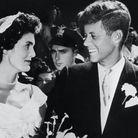 Le 12 septembre 1953, le futur 35ème Président des Etats Unis et sa femme Jacqueline Lee Bouvier se disent « oui » à l'église Sainte Marie d...
