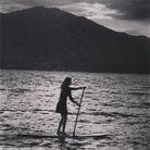 Le secret belles fesses d'Isabeli Fontana : le paddle