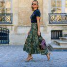 Une jupe tapisserie et un tee-shirt vintage