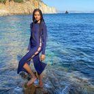 Robe fendue bleue marine