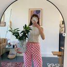 Pantalon à carreaux roses et blancs