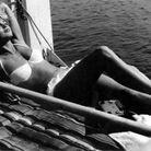 Brigitte Bardot en bikini blanc
