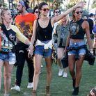 Alessandra Ambrosio en short en jean à Coachella