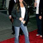 Victoria Beckham en jean délavé pattes d'eph