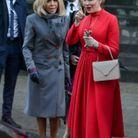 La robe rouge de la reine Mathilde de Belgique