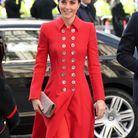 Kate Middleton en robe manteau rouge