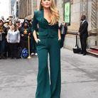Le costume vert de Blake Lively